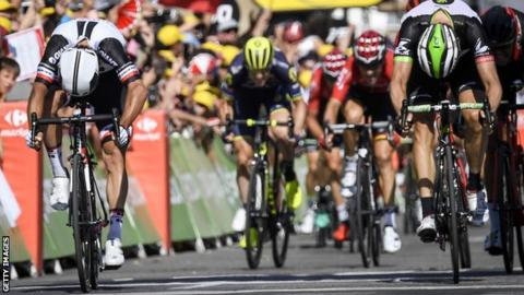 Tour de France: Kittel retires injured, Roglic wins stage 17