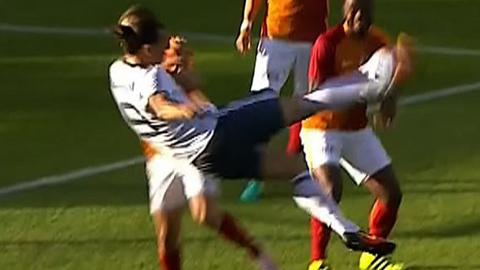 Zlatan Ibrahimovic scores with a bicycle kick on his Manchester United debut