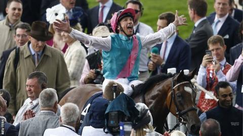 Frankie Detorri rides Enable to Oak victory