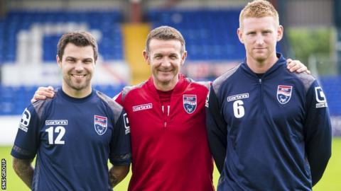 Staggies manager Jim McIntyre with Richard Foster (left) and Craig Robertson