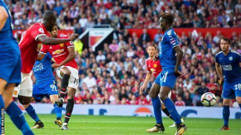 Man Utd beat Leicester to maintain 100% start