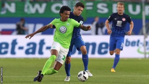 Wolfsburg midfielder Luiz Gustavo completes move to Marseille