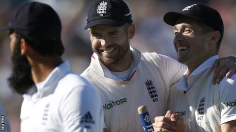 England celebrate victory over Pakistan at Edgbaston