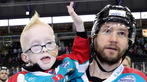 Blake McCaughey with Belfast Giants captain Adam Keefe