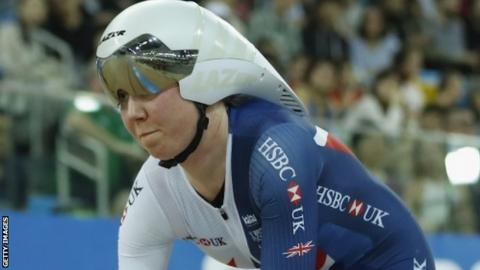Katie Archibald competes in the individual pursuit at the World Championships