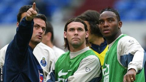 Jose Mourinho (left) with Benni McCarthy (right) during their time at Porto