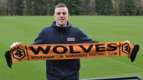 Wolves sign teenagers Goodliffe & Harris