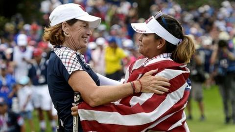 US captain Juli Inskter and Lizette Salas