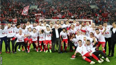 Olympiakos celebrate