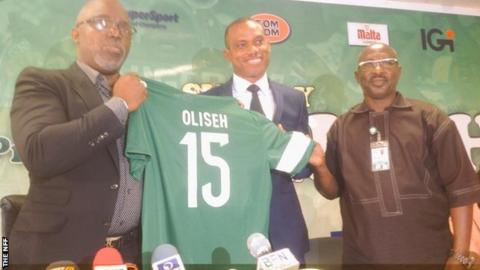 Sunday Oliseh (centre) is unveiled as the new Nigeria coach