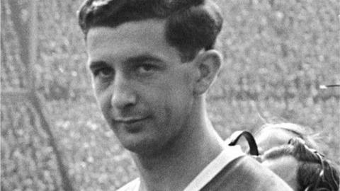 Freddie Goodwin played for Manchester United in the 1958 FA Cup final against Bolton Wanderers, in the year of the Munich Air Crash