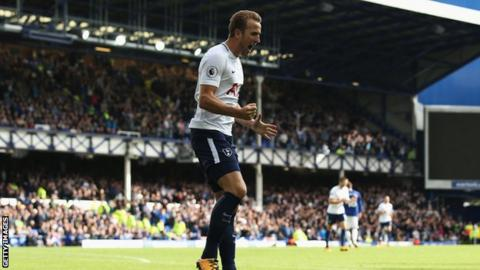 Harry Kane celebrating his second goal in the 3-0 win at Everton last weekend