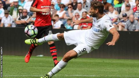 Fernando Llorente in action on his debut for Swansea City