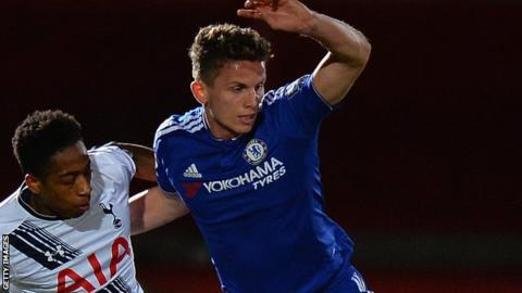 Jordan Houghton in action for Chelsea against Tottenham in the Under-21 Premier League