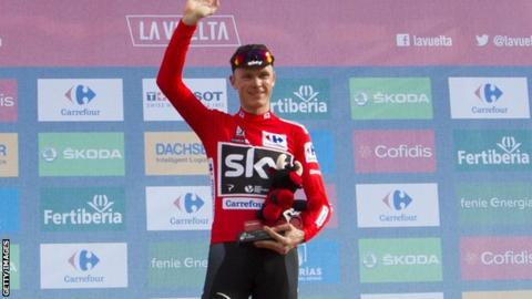 Chris Froome tightens grip on Vuelta lead with show of strength