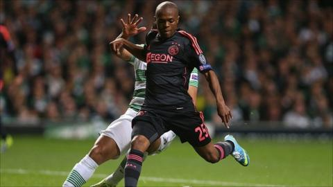 Thulani Serero: South African midfielder joins Dutch club Vitesse Arnhem