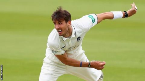 Middlesex's Roland-Jones suffers stress fracture in back