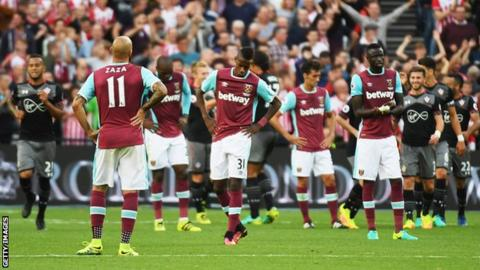 West Ham players as Southampton celebrate goal