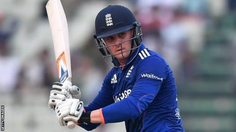 Debutant Ball and Rashid bowl England to thrilling win