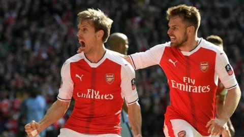 Monreal scores for Arsenal