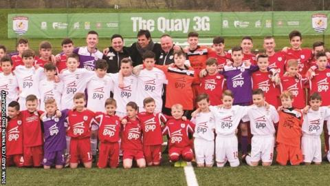 Chris Coleman with players from Connah's Quay academy