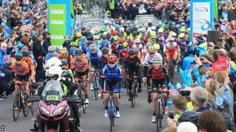 Home favourite Lizzie Deignan triumphs in women's Tour de Yorkshire