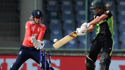 Meg Lanning bats as Sarah Taylor watches on