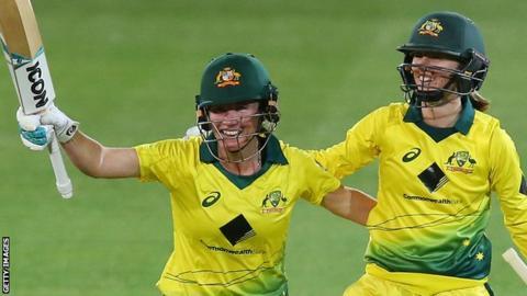 Women's Ashes: Australia thrash England to retain trophy