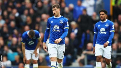 Everton coach Koeman gives ultimatum to Barkley