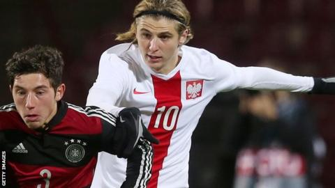 Leeds United sign forward Pawel Cibicki from Swedish side Malmo