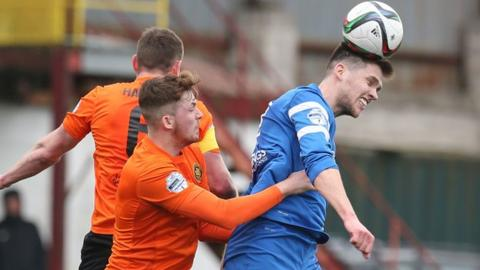 Carrick will avoid finishing bottom if they defeat the Mallards at the Belfast Loughshore Arena