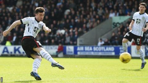 Stevie Mallan scores for St Mirren