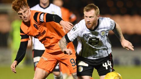 Dundee United meet St Mirren at Fir Park on Saturday