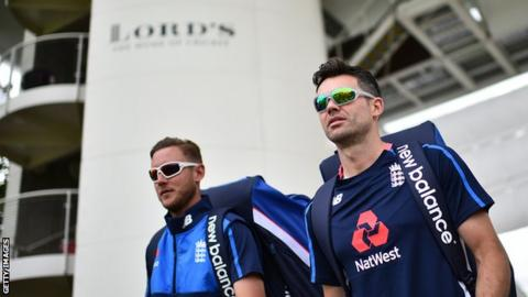 Stuart Broad (left) and Jimmy Anderson (right)
