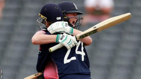 England eye 'perfect' World Cup final against India