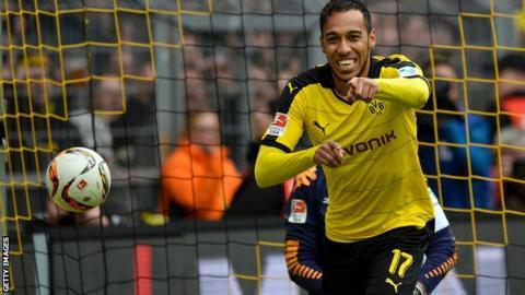 ผลการค้นหารูปภาพสำหรับ aubameyang Bundesliga Player of the year