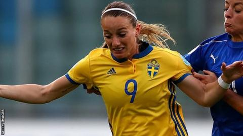 Sweden international Kosovare Asllani has left Manchester City to re-join Linkopings in her native country