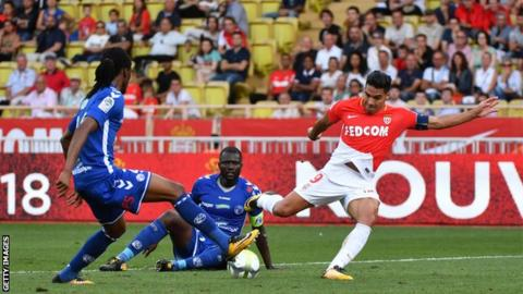 Form Falcao brings Monaco back on winning track in Ligue 1