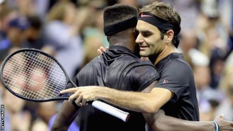 Roger Federer beats Frances Tiafoe