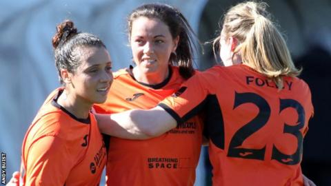 Glasgow City's Noelle Murray (middle) with Lauren Silver (left) and Megan Foley