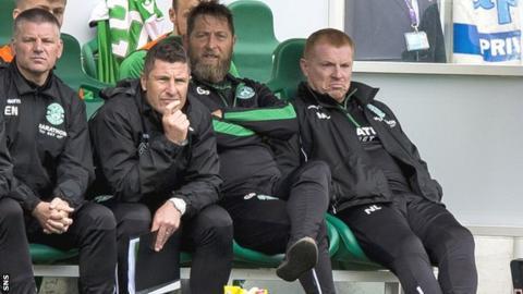 Neil Lennon and his Hibernian management team look unimpressed
