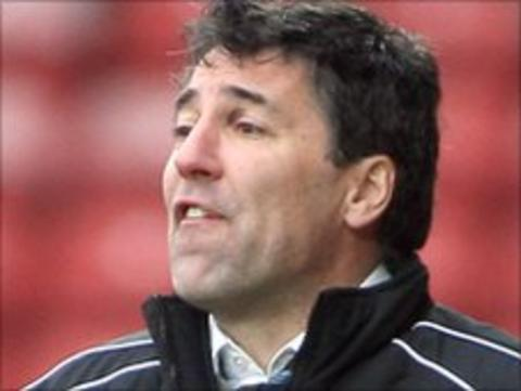 Wrexham manager Dean Saunders