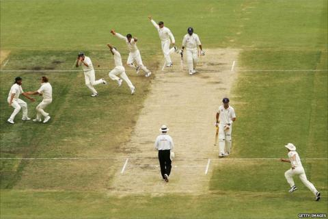 Australia clinch the 2006-07 Ashes