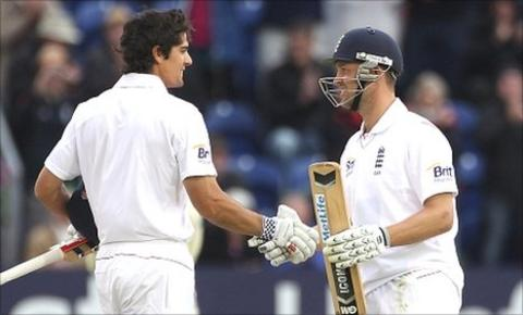 Alastair Cook (left) and Jonathan Trott (right)