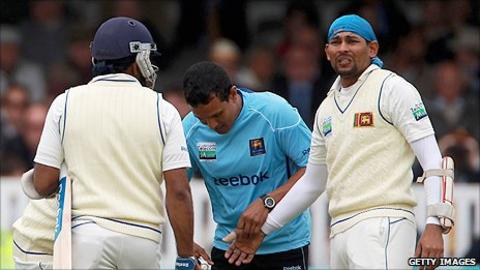 Sri Lanka captain Tillakaratne Dilshan was hit by a Chris Tremlett delivery on the thumb