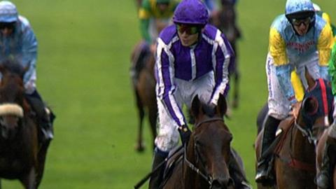 Fame Ad Glory wins the Ascot Gold Cup
