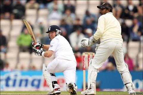 Ian Bell passed his century just after the lunch interval