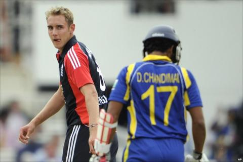 Stuart Broad and Dinesh Chandimal