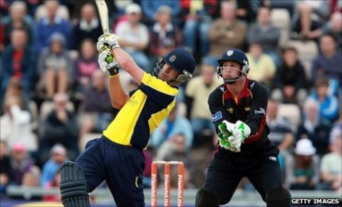 Sean Ervine hits out against Durham