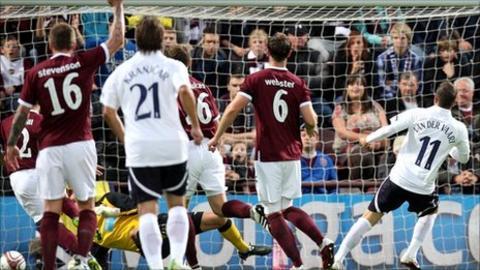 Rafael van der Vaart scores the Spurs opener
